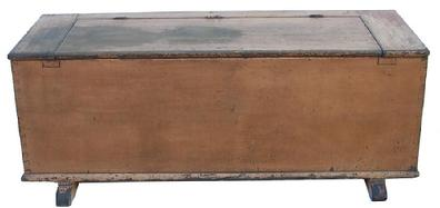 Y391 Early 19th century Pennsylvania Wood Box, original shoe feet, dovetailed slotted batons in the lid, very fine dovetail case, with wonderful salmon paint, beaded around the lid opening, 1800-1820