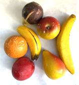 F500 LOT OF 7 VINTAGE MINIATURE STONE FRUITS Fruits are : miniatures - 2 bananas, 1 fig ,1 orange 1 apple 1 pear 1 plum These are nice condition early pieces-