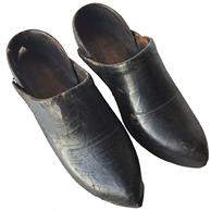 D217 19th century Rare Antique Civil War Era Shoes 1850's or 1860's Leather Women's Shoes,Good condition for their age with minor wear and tear to leather, with  wooden sole.circa 1860