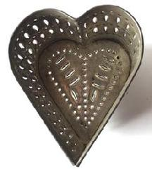 D174 19th century Pennsylvania Heart tin Cheese Strainer beautiful hole punching on side and bottom