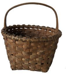 E379 Outstanding small Berry Basket late 19th century, in beautiful old natural patina, double wrapped rim with a steamed and bent and notched handle. This basket is in excellent condition.