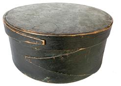 "F526  19th century New England Pantry Box, the wood is   Maple & pine, circa 1850 . in its original uncllean dry original windsor green paint wonderful patina ,  Opposing fingered body & lid, tacked &  wood pegged construction.  Dry, original green never painted over original surface patina. Measurements are *"" diameter x 3 1/2"" tall"