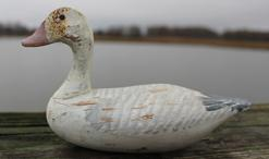 B603 Miniature wooden hand carved Snow Goose, Dick Robertson carver, from Pennslyvania