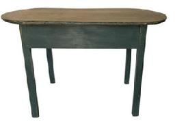 E232 18th century Massachusetts Traven Tabe with a beautiful scrubbed oval one-board top, in original green painted surface, The top is resting on a mioristed and pegged base with breaded legs with molded outer edge. ( circa 1790 -1810 )