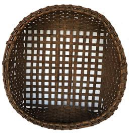 D520 New England Cheese Basket has a single left splint wrap encircling the double bentwood rim of the basket. The Woven Splints form a square shape and the flat woven splints are strong and sturdy,with old age patina. splints in the bottom are openly woven for drainages